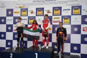 Podio Rookie gara 3 Paul Aron (Prema Powerteam,Tatuus F.4 T014 Abarth #7)al Amna Al Qubaisi (Abu Dhabi Racing,Tatuus F.4 T014 Abarth #88)Roman Stanek (US Racing,Tatuus F.4 T014 Abarth #97)Jonny Edgar (Jenzer Motorsport,Tatuus F.4 T014 Abarth #17), ITALIAN F.4 CHAMPIONSHIP POWERED BY ABARTH