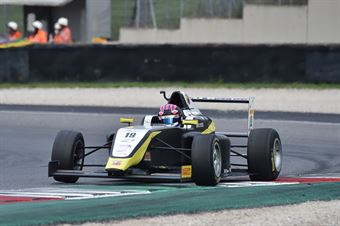 Gray Oliver, Tatuus F.4 T014 Abarth #19, BVM Racing, ITALIAN F.4 CHAMPIONSHIP POWERED BY ABARTH
